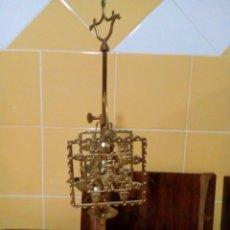 Antigüedades: LÁMPARA CANDELABRO ANTIGUA DE BRONCE DE CUATRO BRAZOS. Lote 146687342