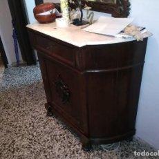 Antigüedades: ESPECTACULAR APARADOR DE CAOBA. Lote 146736602