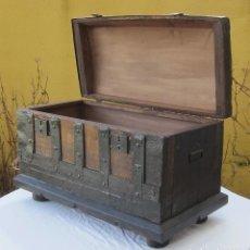 Antigüedades: BAUL DE VIAJE RESTAURADO MUY ANTIGUO. Lote 146738878