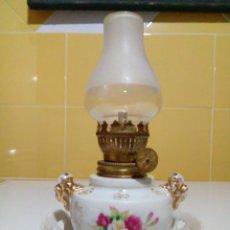 Antigüedades: QUINQUE LAMPARA DE PORCELANA. Lote 146767566