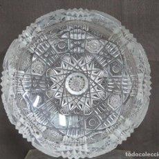 Antigüedades: GRAN CENICERO DE CRISTAL TALLADO A MANO. BOHEMIA. Lote 146790342