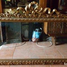 Antigüedades: ESPEJO DORADO CON COPETE DE LAZO. LUNA BISELADA. . Lote 146798262