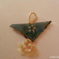 Antigüedades: ESCAPULARIO COLGANTE 3 CM. . Lote 146800202