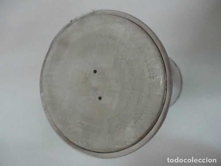Antigüedades: Cáliz de Plata con Contrastes y Esmalte -Interior del Cáliz Dorado -Patena y Caja (Estuche) Original - Foto 12 - 152021761
