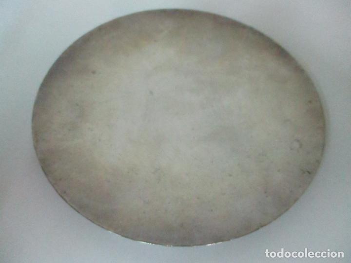 Antigüedades: Cáliz de Plata con Contrastes y Esmalte -Interior del Cáliz Dorado -Patena y Caja (Estuche) Original - Foto 19 - 152021761