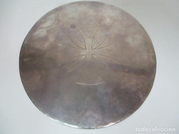 Antigüedades: Cáliz de Plata con Contrastes y Esmalte -Interior del Cáliz Dorado -Patena y Caja (Estuche) Original - Foto 20 - 152021761