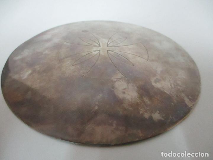 Antigüedades: Cáliz de Plata con Contrastes y Esmalte -Interior del Cáliz Dorado -Patena y Caja (Estuche) Original - Foto 21 - 152021761