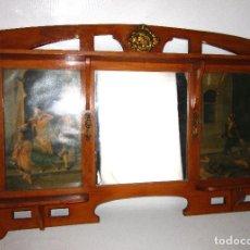 Antigüedades: GRAN ESPEJO ESTANTERIA MODERNISTA IDEAL TOCADOR DOBLE HABITACION GEMELAS O WC VINTAGE. Lote 146852702