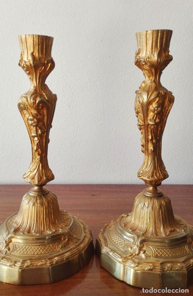 Antigüedades: Pareja de Candeleros Franceses del Siglo XIX. Bronce dorado - Foto 4 - 146855082