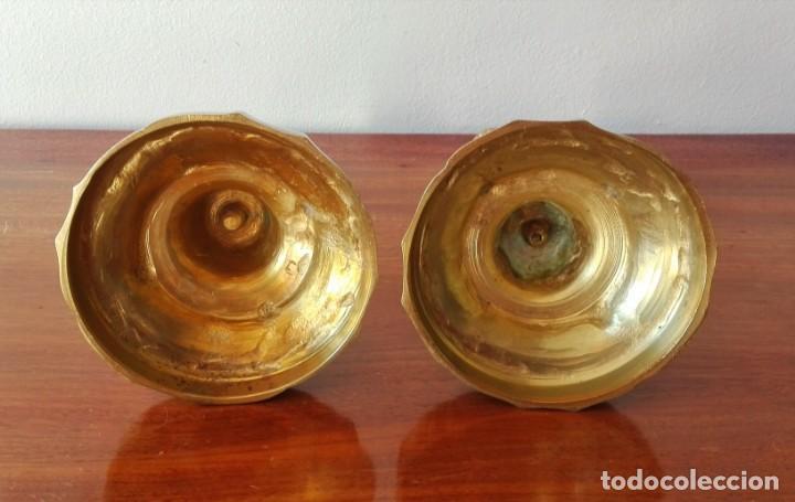 Antigüedades: Pareja de Candeleros Franceses del Siglo XIX. Bronce dorado - Foto 9 - 146855082