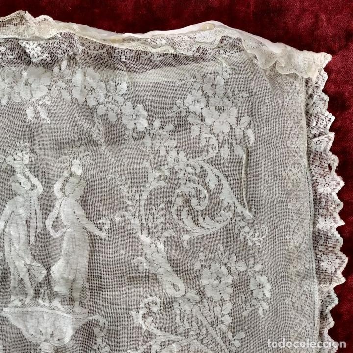 Antiquitäten: FUNDA DE COJÍN. BORDADO MECÁNICO SOBRE RED. BOTONES NÁCAR. ESPAÑA. SIGLO XIX - Foto 5 - 146868902