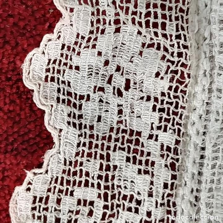 Antiquitäten: FUNDA DE COJÍN. BORDADO MECÁNICO SOBRE RED. BOTONES NÁCAR. ESPAÑA. SIGLO XIX - Foto 7 - 146868902