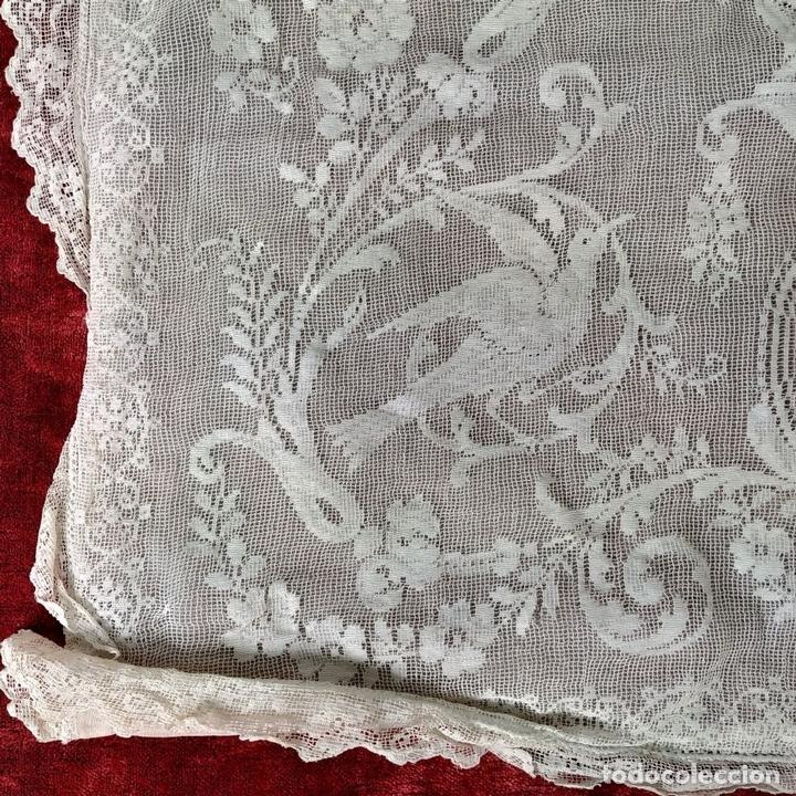 Antiquitäten: FUNDA DE COJÍN. BORDADO MECÁNICO SOBRE RED. BOTONES NÁCAR. ESPAÑA. SIGLO XIX - Foto 8 - 146868902