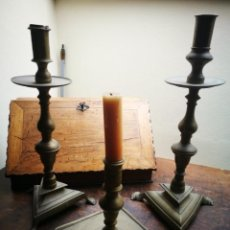 Antigüedades: CANDELABROS SIGLO XVIII (3), BASES CON GARRAS.. Lote 146869678