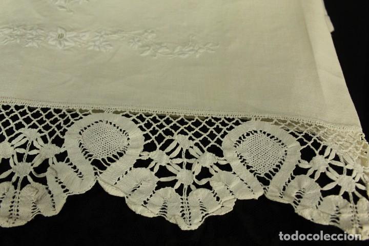 Antigüedades: t2 Sábana algodón grueso y lino, iniciales VP encaje de bolillo - Foto 3 - 146871050