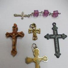 Antigüedades: LOTE DE 5 CRUCIFIJOS DIFERENTES MATERIALES Y TAMAÑOS. Lote 146904762