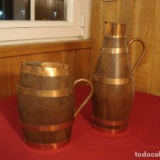 Antigüedades: CONJUNTO DOS JARRAS TONELERAS DE MADERA Y LATON. Lote 146926486