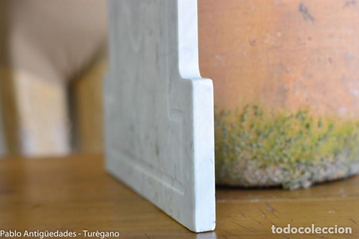 Antigüedades: Frontal realizado en mármol blanco para fuente o lavabo - Adorno, ornamento, cubierta, copete, flor. - Foto 9 - 146960822