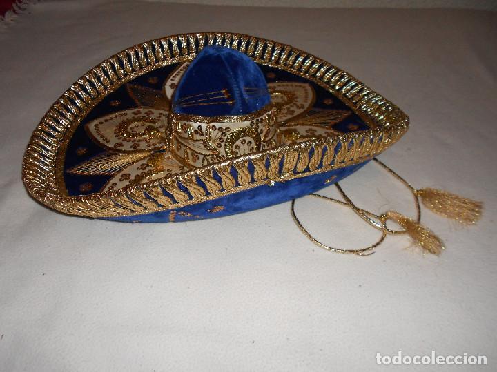Antigüedades: SOMBRERO MEJICANO PIGALLE XXXXX SALAZAR HECHO EN MEXICO 59 CM AZUL DORADO BLANCO MARIACHI - Foto 2 - 146963646
