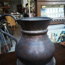 Antigüedades: JARRA DE COBRE, GRAN TAMAÑO, UNIDAD DE MEDIDA. ANTIGUA.. Lote 215809782