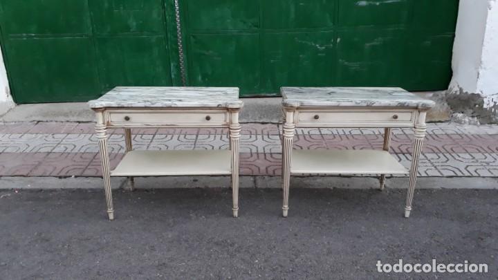 Antigüedades: Mesillas de noche antiguas estilo Luis XVI. Mesitas de dormitorio antiguas color blanco vintage. - Foto 2 - 147090662