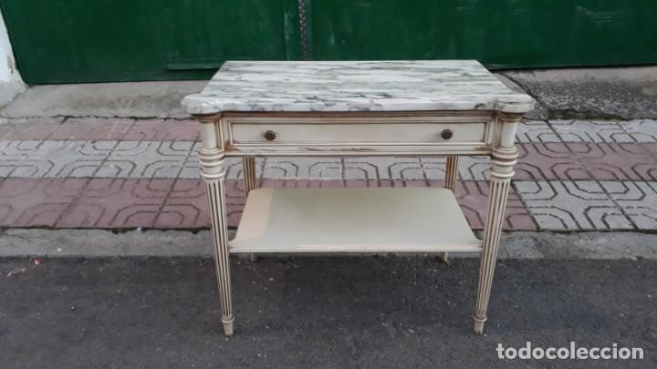 Antigüedades: Mesillas de noche antiguas estilo Luis XVI. Mesitas de dormitorio antiguas color blanco vintage. - Foto 3 - 147090662