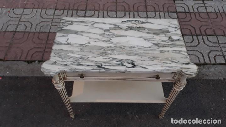 Antigüedades: Mesillas de noche antiguas estilo Luis XVI. Mesitas de dormitorio antiguas color blanco vintage. - Foto 5 - 147090662