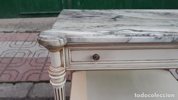 Antigüedades: Mesillas de noche antiguas estilo Luis XVI. Mesitas de dormitorio antiguas color blanco vintage. - Foto 9 - 147090662