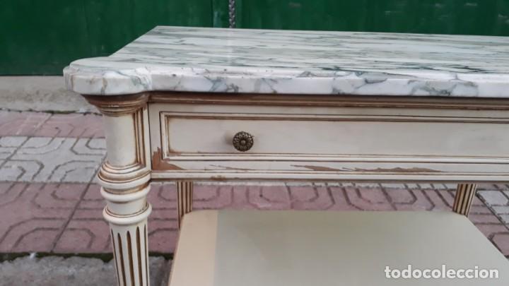 Antigüedades: Mesillas de noche antiguas estilo Luis XVI. Mesitas de dormitorio antiguas color blanco vintage. - Foto 10 - 147090662