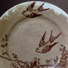 Antigüedades: ANTIGUO PLATO CERAMICA SERIE GOLONDRINAS - MARIANO POLA - GIJON - SELLADO. Lote 147140054
