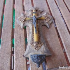 Antigüedades: CRUZ CRUCIFIJO BENDITERA CON FILIGRANAS EN METAL . Lote 147141930