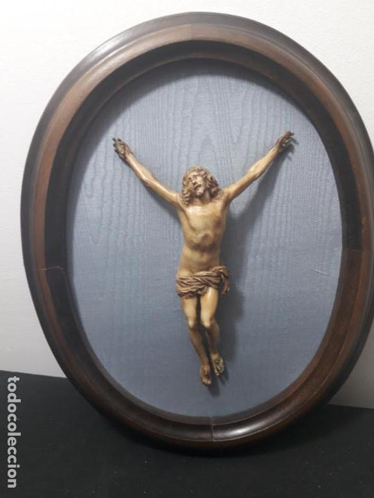 CRISTO DE RESINA (Antigüedades - Religiosas - Crucifijos Antiguos)