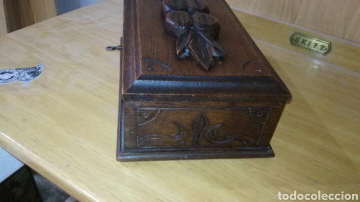 Antigüedades: Caja tallada de madera de roble - Foto 4 - 147189721