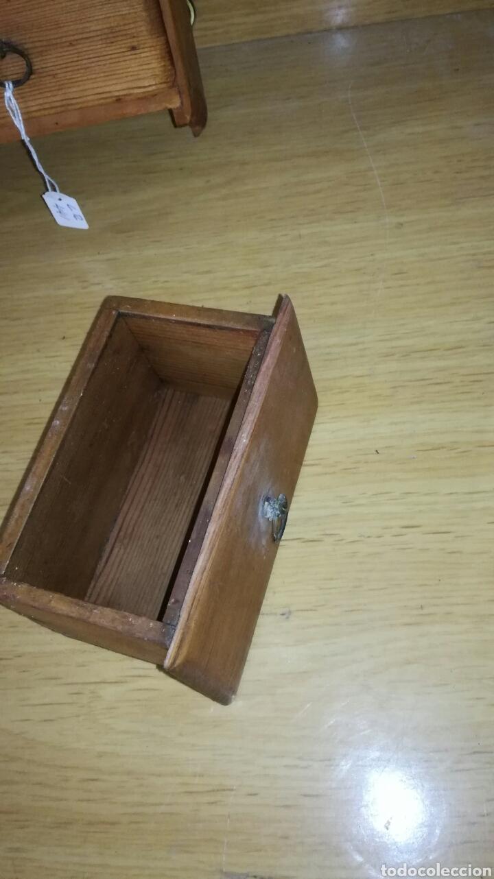 Antigüedades: Especiero de madera de pino con mucha patina - Foto 2 - 147191493