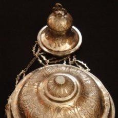 Antigüedades: LÁMPARA VOTIVA DE PLATA CON PUNZONES DE SALAMANCA. 962 GRAMOS. SIGLOS XVIII-XIX.. Lote 147250906