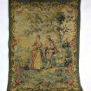 Antigüedades: PRECIOSO TAPIZ ROMÁNTICO DE GOBELINOS FINES S XIX. Lote 147278850