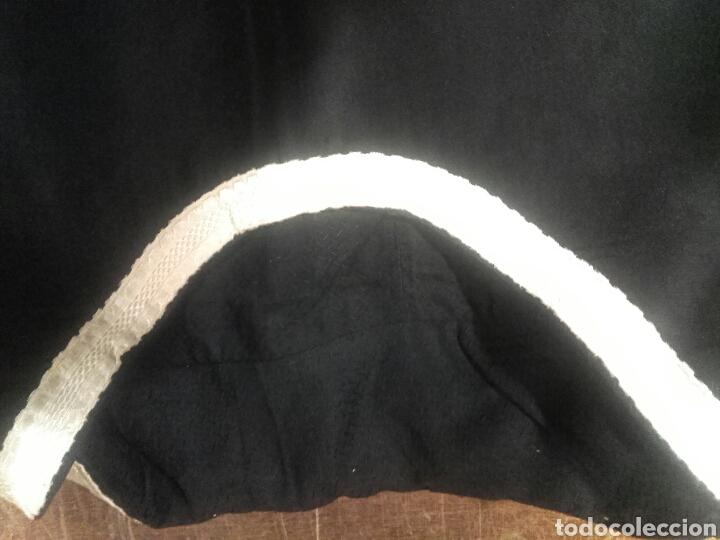 Antigüedades: Pareja de dalmáticas negras de seda con galón blanco. - Foto 5 - 44247484