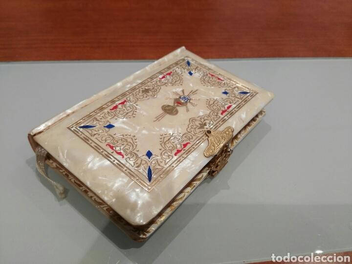 LIBRO DE COMUNIÓN ANTIGUO. (Antigüedades - Religiosas - Varios)