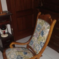 Antigüedades: BONITO SILLÓN BALANCIN (MUY BUEN ESTADO). Lote 147338838
