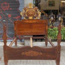 Antigüedades: CAMA DE MATRIMONIO. MADERA DE CAOBA CON INCRUSTACIONES. ESTILO ISABELINO. SIGLO XIX. . Lote 147342250