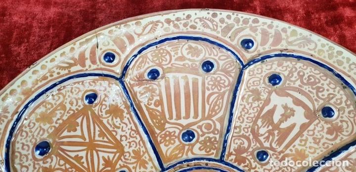 Antigüedades: PLATO DE TETÓN. CERÁMICA ESMALTADA CON REFLEJOS. MANISES. SIGLO XIX. - Foto 6 - 147424634