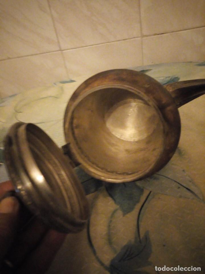 Antigüedades: Preciosa cafetera de metal bañada en plata. - Foto 5 - 147443406