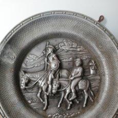 Antigüedades: PLATO QUIJOTE SANCHO. MADE IN SPAIN 20 CM DIÁMETRO.. Lote 147451281