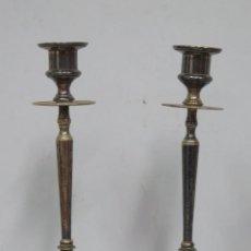 Antigüedades: PAREJA DE CANDELABROS PLATEADOS. Lote 147528382