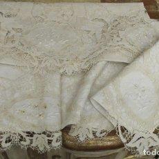 Antigüedades: IMPRESIONANTE JUEGO DE CAMA DE HILO CON APLICACIONES DE ENCAJE DE ALMAGRO. FINALES SIGLO XIX. Lote 147493390