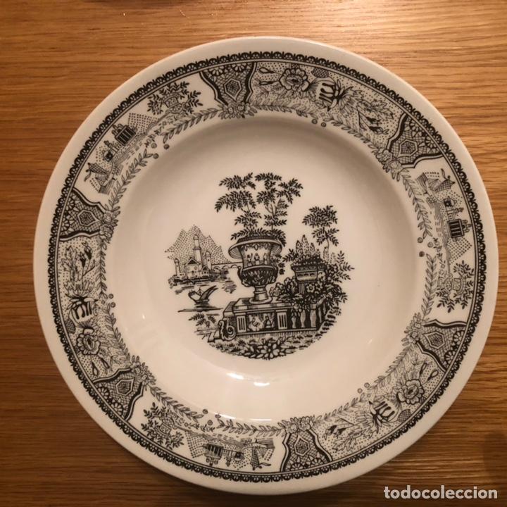Antigüedades: 8 platos de porcelana hondos GV segovia - Foto 3 - 147578176
