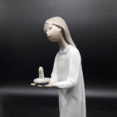 Antigüedades: FIGURA DE PORCELANA . Lote 147579074