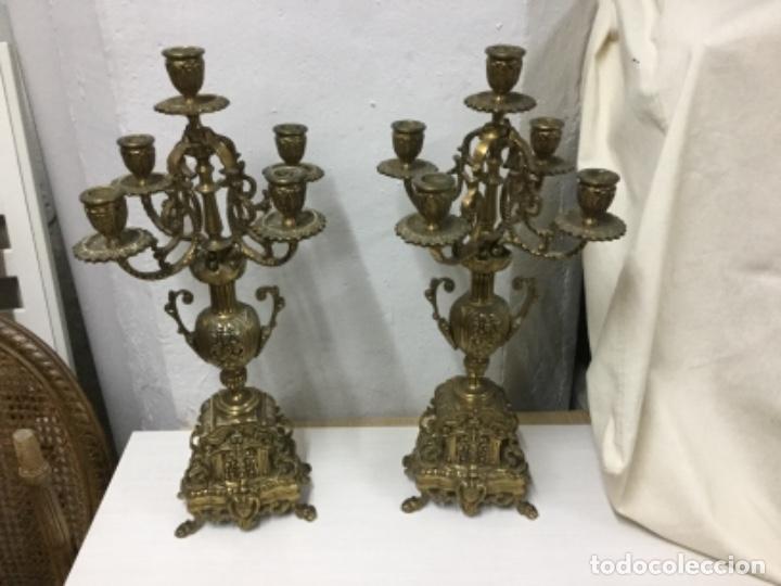 PAREJA CANDELABROS BRONCE (Antigüedades - Iluminación - Candelabros Antiguos)
