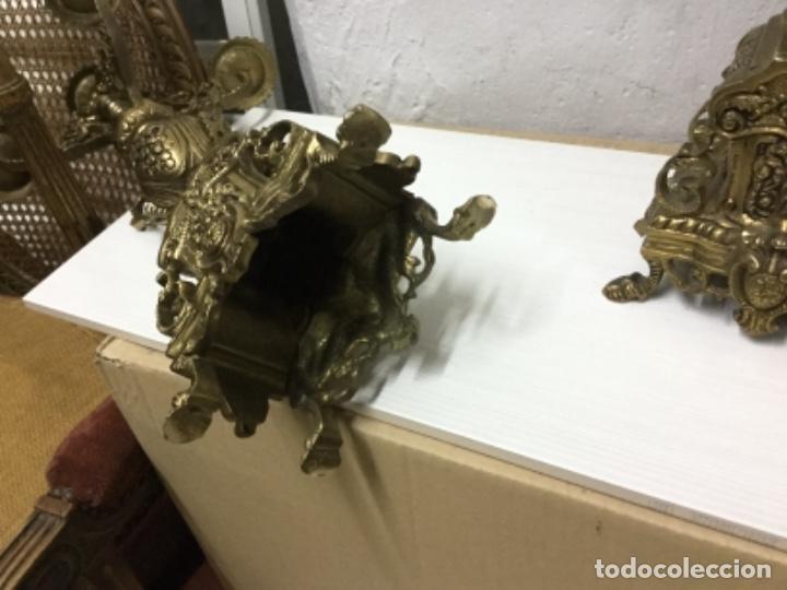 Antigüedades: Pareja candelabros bronce - Foto 7 - 147579422