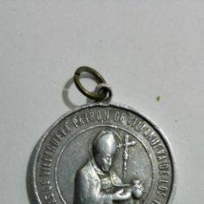 Antigüedades: MEDALLA ALUMINIO, SANTO TOMAS DE VILLANUEVA, PATRON DE VILLANUEVA DE LOS INFANTES, MEDIDAS 2,7 CM. Lote 147599942